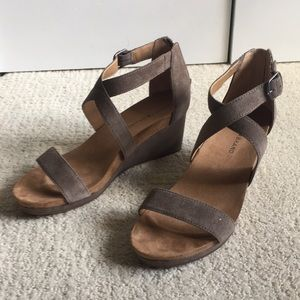 New w/o tagsWomen's Lucky Brand shoes. Size 9.5